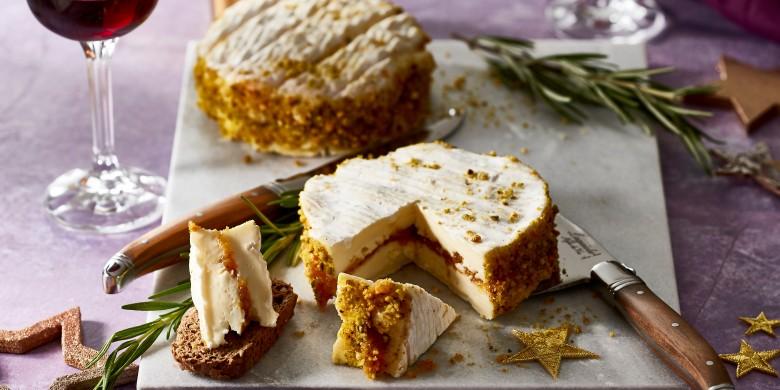 Camembert met abrikozen-dadelcrème