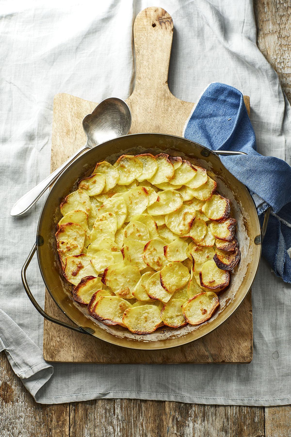 Pommes anna met mosterd
