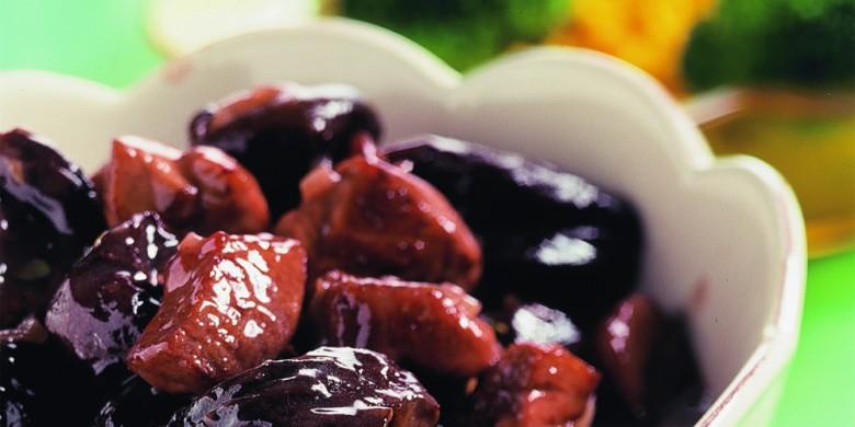 Gestoofd varkensvlees met pruimen