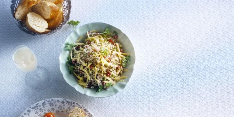 Peterseliesalade met quinoa en granaatappel