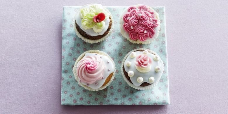 Cupcake met citroenglazuur en cream-cheesetopping