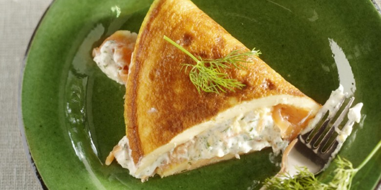Omelet met gerookte zalm en ricotta