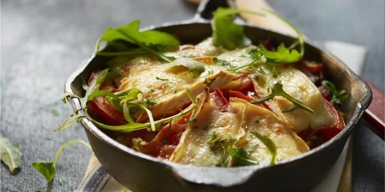 Aardappelkoek met spekjes, kool en brie